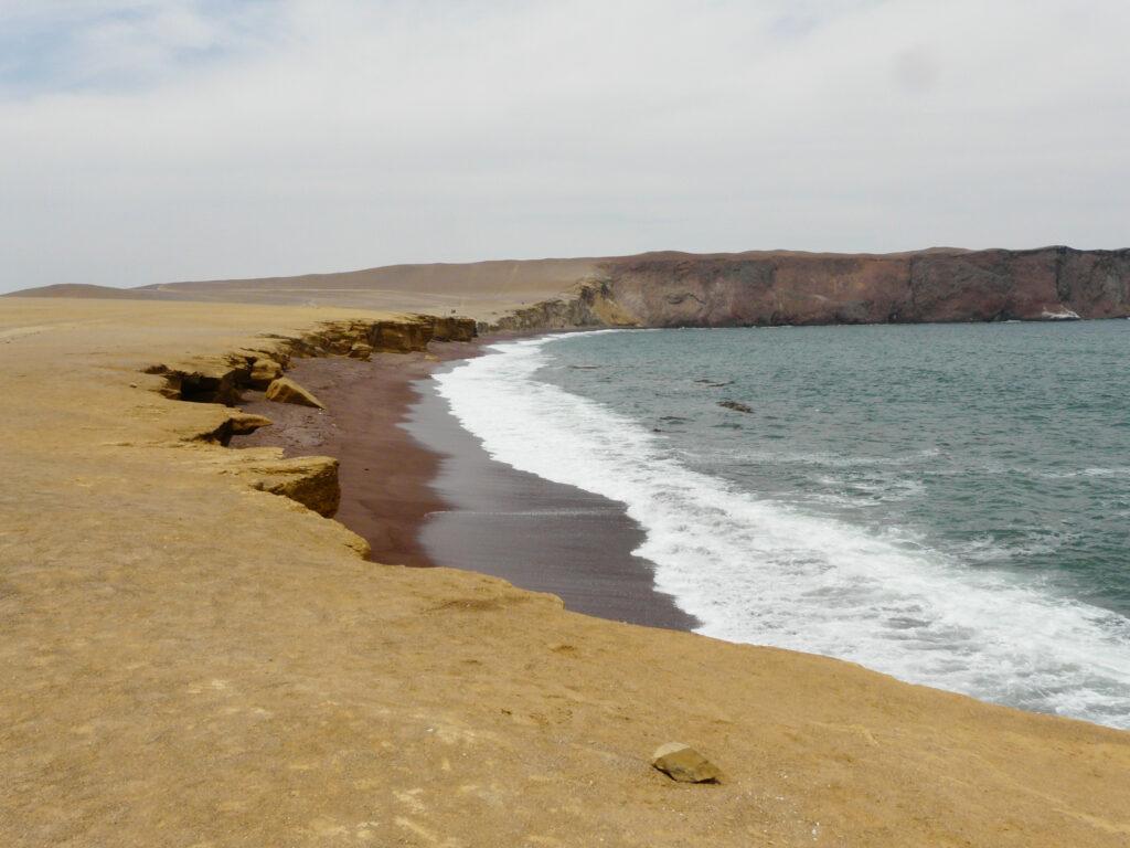 La playa roja