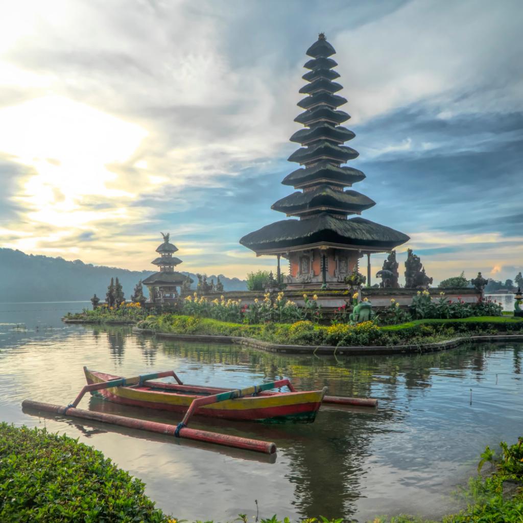 Tempio Ulun Danu Beratan Bali